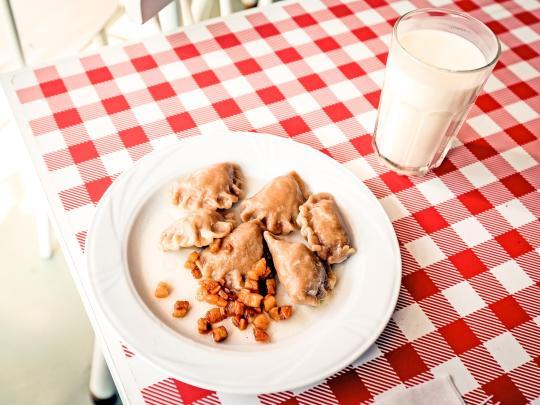 Erkunden Sie Polens zeitlose Milchbars