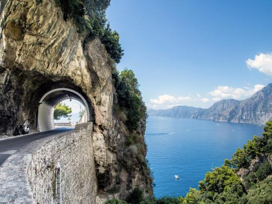 Discover Italy's breathtaking Amalfi Coast by car