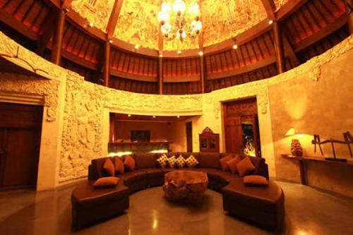 Villa Arya's lobby