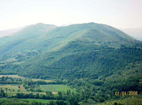 panorama che si vede dal balcone: valle del Farfa