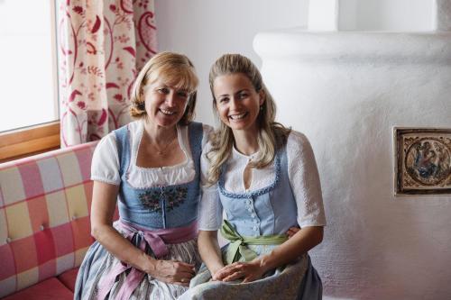 Bernadette Mascher und Caroline Kennedy