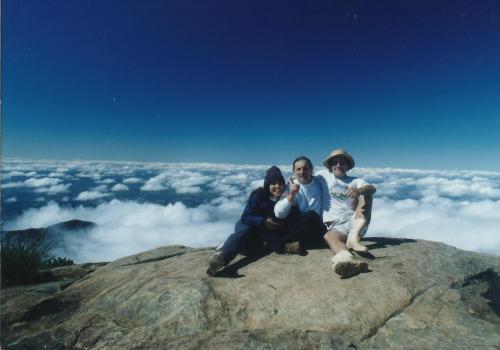 Val, Nhil e Rogério no Pico da Bandeira 2892 mts.
