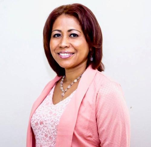 Zenaida Moya (Owner/Manager)