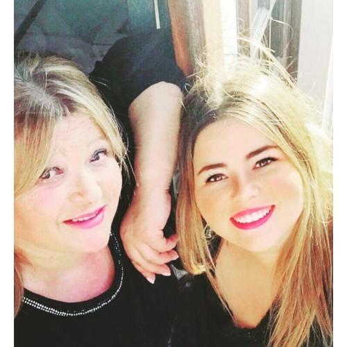 Paula Rodrigues e filha