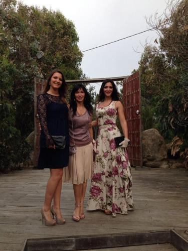 la titolare Anna e figlie