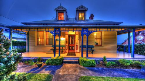 Hanlon House/ Matt
