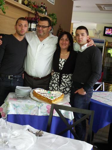 Roby,Luciano, Gabry, Lino. La famiglia IZZO.