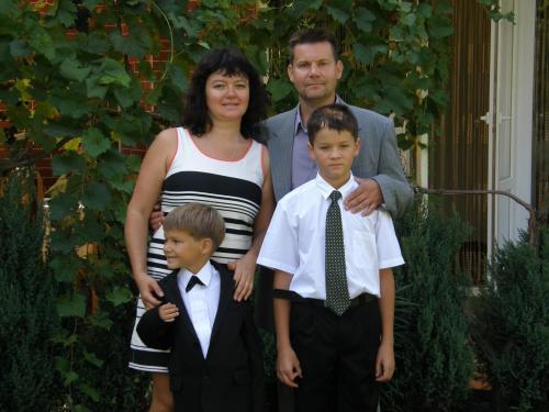 Андрей (владелец) с семьёй