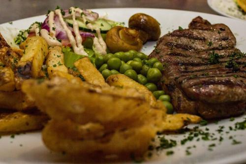 this our famous Black Angus American steak ,we serve in our restourant