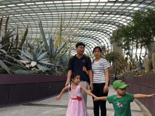Thom's Family