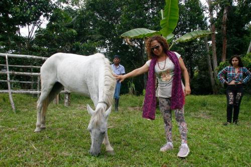 SARISA Y BLANQUITA(mi caballo)