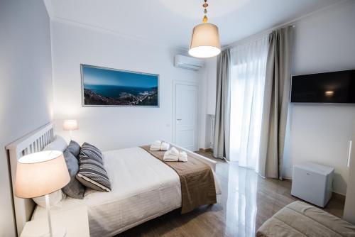 Camera da letto Salerno , climatizzata con balcone e bagno