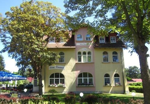 """Hotel """" Villa Raueneck"""""""