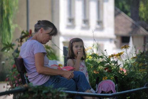 Bea en haar kleindochter Maëlys