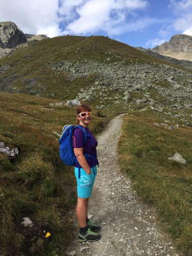 Carolina in montagna verso il tribulaun