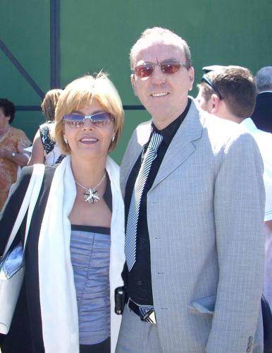 Toni & Yoli