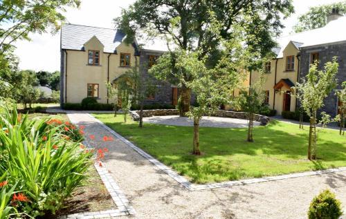 The Courtyard @ Burren Court