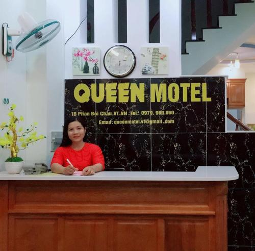 manager Queen Motel