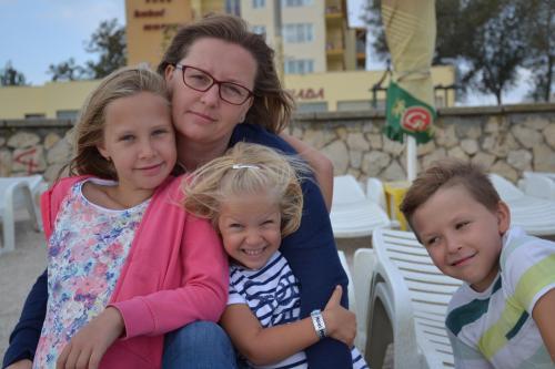 Micky&Alexia, Radu, Eva