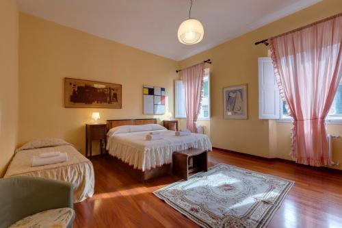 Giallo Apartment