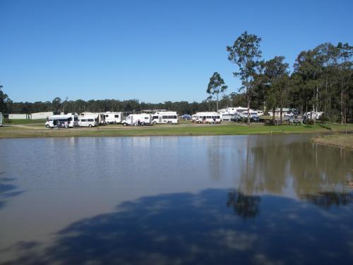 Australian Motor Home Tourist Park recreation lake