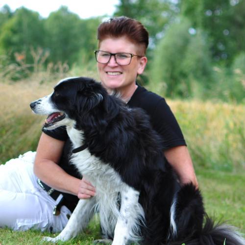 Anneli och vår hund Wilma