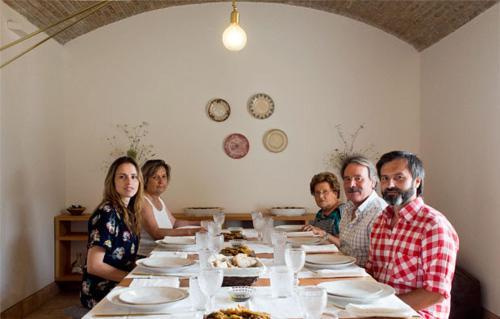 Carlos, Vânia, Modesta, Carminda, Joaquim