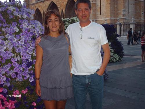 Maria and Manuel.