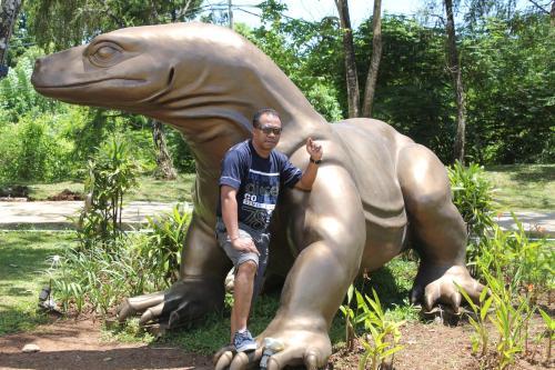 Longginus Laka (owner Bintang Bungalow)