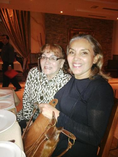 Lidia Saldarriaga y Maritza Meneses