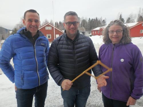 Runi Ur Arantsstovu, Thor Kristian Ringsbu, Marit Ravna