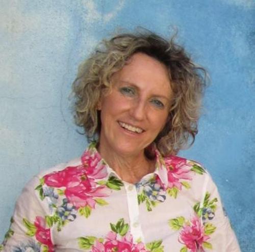 Julie Davies Kapsetaki