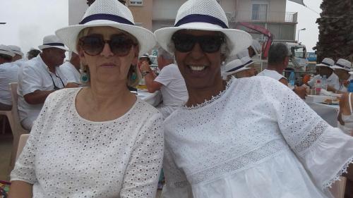 Yolande et une amie