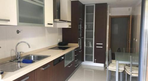 Adalberto Nascimento 2 very comfortable and posh bedroom flat