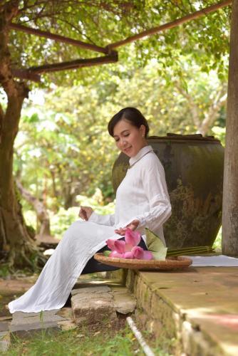 Lam Ngoc - Emerald