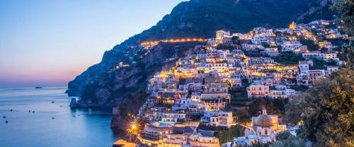 Isabel sono nata a Positano e conosco i posti piu'belli della costiera
