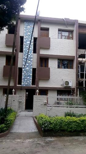 BEST HOMESTAY/HOSTEL,DOWNTOWN,CHANDIGARH,INDIA bY INTERACTIVE CORP.