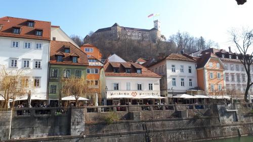 Meščanka apartments/rooms, Renta d.o.o., Ključavničarska 4, 1000 Ljubljana