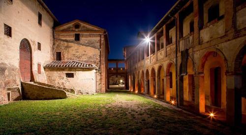 La Fratta by night