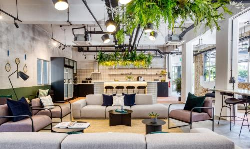 Hotel Lobby/Communal Space