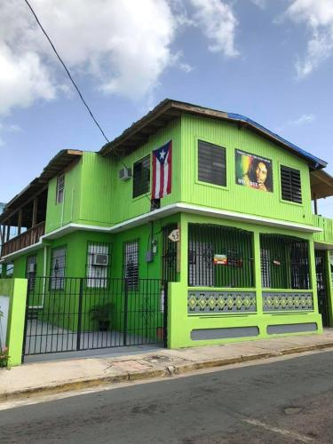 Vieques Good Vibe Guesthouse & Hostel