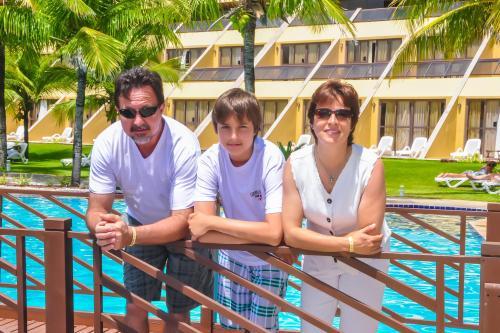 Claudinei, Thiago e Anete