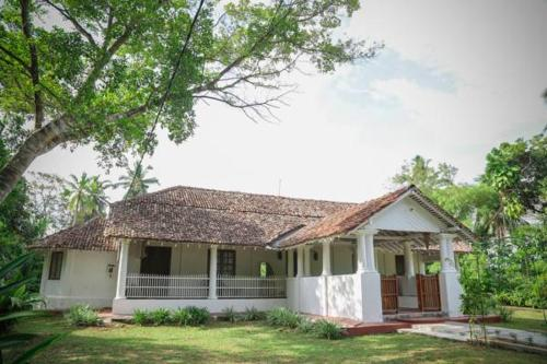 W D S Abeygoonawardena