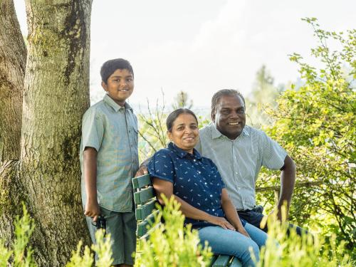 Nishal, Nishanti und Siri