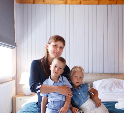 Daria & Sofi & Yegor