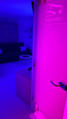 Camera con vasca idromassaggi per due ozono terapia cromoterapia doccia emozionale ecc. nome del host Nunzia