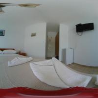 Nicolas Rooms